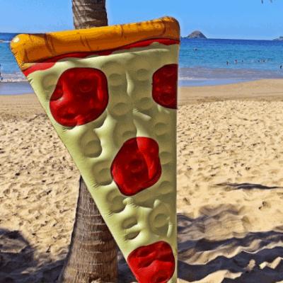 pizza slice som luftmadras