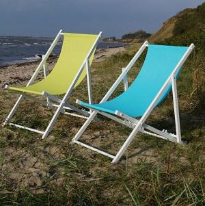 Sammenklappelig strandstol i træ med kanvasbetræk